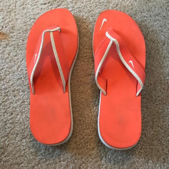 2aff52aa0 Women s Nike flip flops. M 5ac012ce3afbbda7c9c3eefe